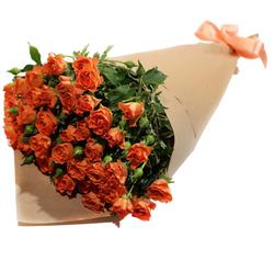 Букет из оранжевых кустовых роз №49
