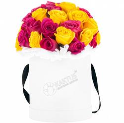 Композиция с розовыми и желтыми розами №10