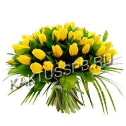 Большой букет с тюльпанами и зеленью