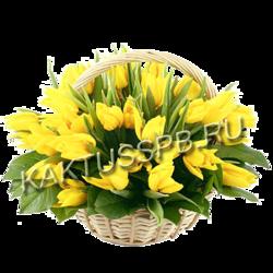 Корзина желтых тюльпанов
