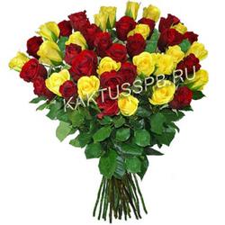Букет бордовых и желтых роз
