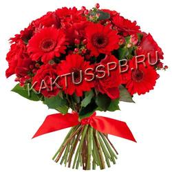 Букет красных гербер и красных роз