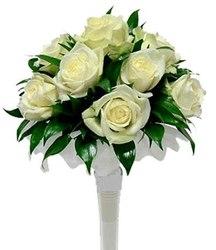 Букет невесты в классическом белом стиле №4