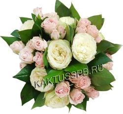 Букет пионовидной и кустовой розы.