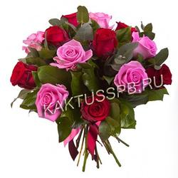 """Букет розовых и красных роз """"Румяны"""""""