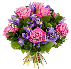 "Букет розовых роз и ирисов ""Лакомка"""