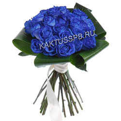 Букет синих роз и аспидистры