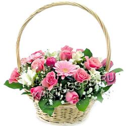 "Корзина розовых роз и гербер ""Раннее утро"""