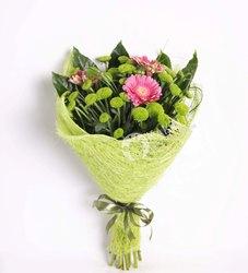 Букет с герберой и хризантемой