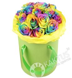 Радужные розы в коробке.