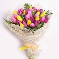 Букет с тюльпанами микс №2