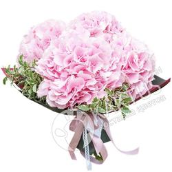 Букет розовых гортензий.