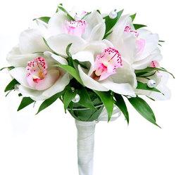 Букет невесты в классическом белом стиле №3
