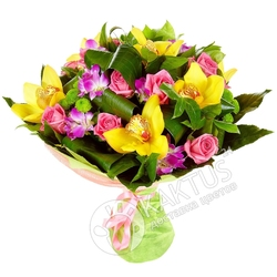Желтые орхидеи и розы.
