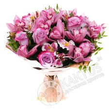 Сиреневые орхидеи с розами.