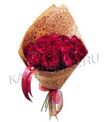 Букет из 11 бордовых пионовидных роз